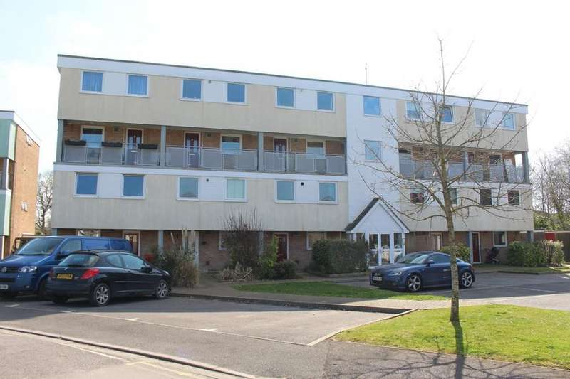 3 Bedrooms Maisonette Flat for sale in Africa Drive, Marchwood, Southampton