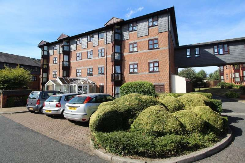 2 Bedrooms Flat for sale in Woodville Grove Welling DA16