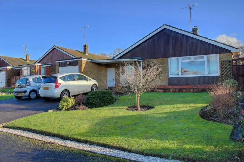 3 Bedrooms Detached Bungalow for sale in Will Hall Close, ALTON, Hampshire