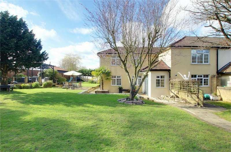 4 Bedrooms End Of Terrace House for sale in Rosemead, Pynest Green Lane, High Beech, Essex