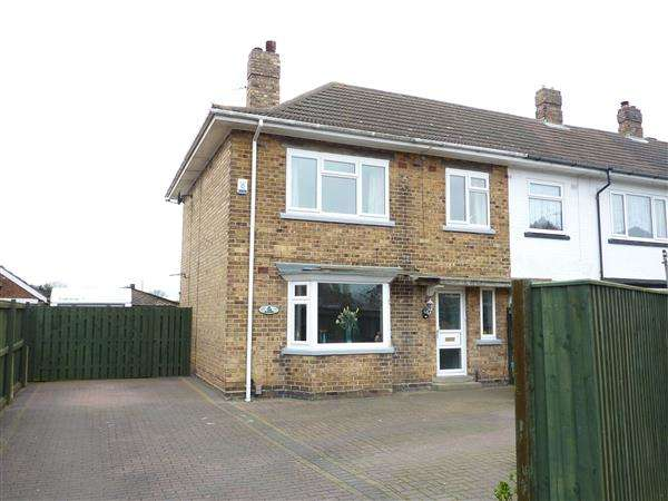 3 Bedrooms End Of Terrace House for sale in LADY FRANCES CRESCENT, CLEETHORPES