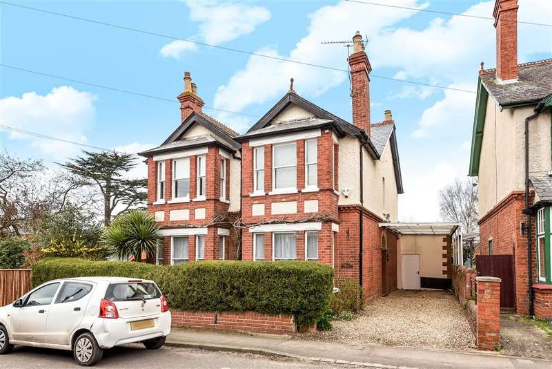 4 Bedrooms Detached House for sale in Ruscombe Road, Twyford, RG10