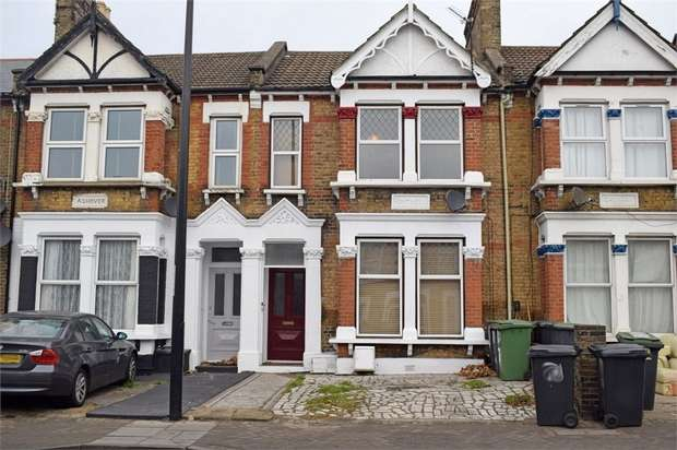 2 Bedrooms Flat for sale in Brownhill Road, London