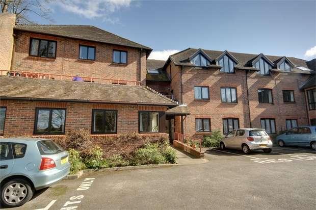1 Bedroom Flat for sale in Abbey Street, Farnham, Surrey