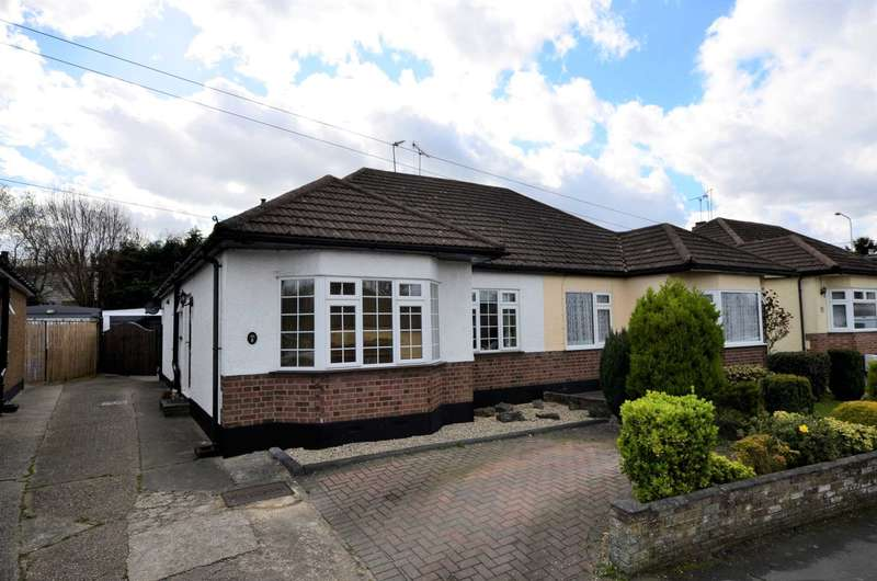 3 Bedrooms Chalet House for sale in Ricketts Drive, Billericay