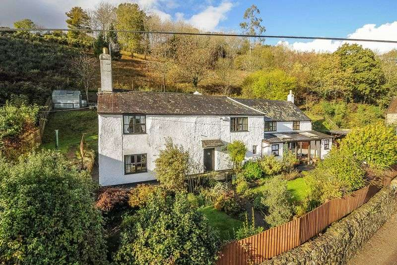 4 Bedrooms Detached House for sale in Chudleigh, Newton Abbot