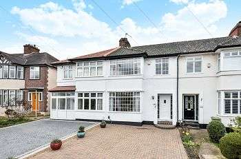 3 Bedrooms Terraced House for sale in Green Lane, Chislehurst, Kent, BR7 6AX