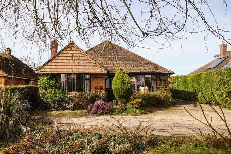 4 Bedrooms Detached House for sale in Great Kingshill