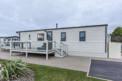 2 Bedrooms Mobile Home for sale in 5* Country and Coastal Retreat, Goonhavern, Truro, Cornwall