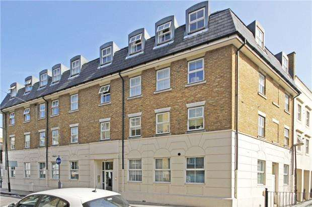 2 Bedrooms Flat for sale in Sapphire Court, 1 Ensign Street, London
