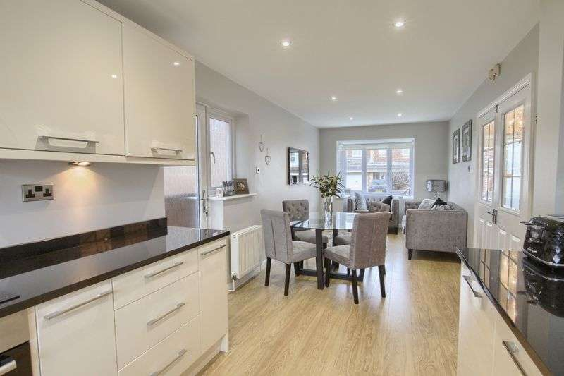 4 Bedrooms Detached House for sale in Penberry Gardens, Ingleby Barwick