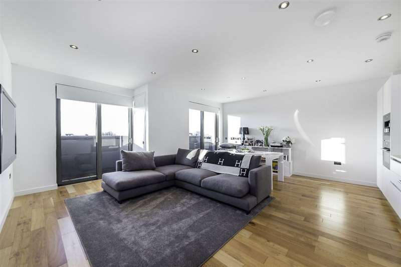 1 Bedroom Property for sale in The Cascades, Finchley Road, Hampstead, NW3