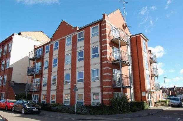 2 Bedrooms Flat for sale in Stimpson Avenue, Abington , Northampton NN1 4ND