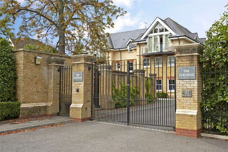 2 Bedrooms Flat for sale in Parkview Place, The Furlongs, Esher, Surrey, KT10