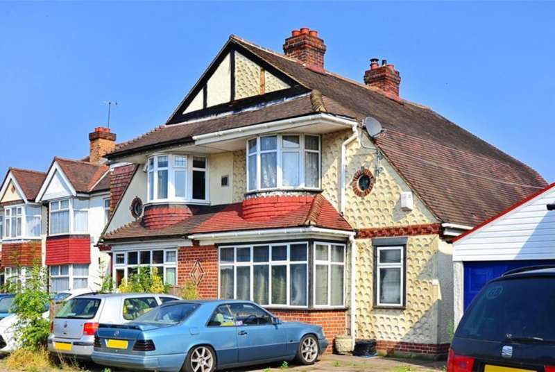 3 Bedrooms Semi Detached House for sale in Ewell By-Pass