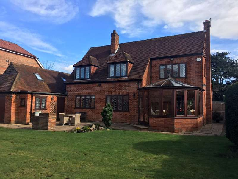 4 Bedrooms Detached House for sale in Shoppenhangers Road, Maidenhead, Berkshire, Close to Train Station