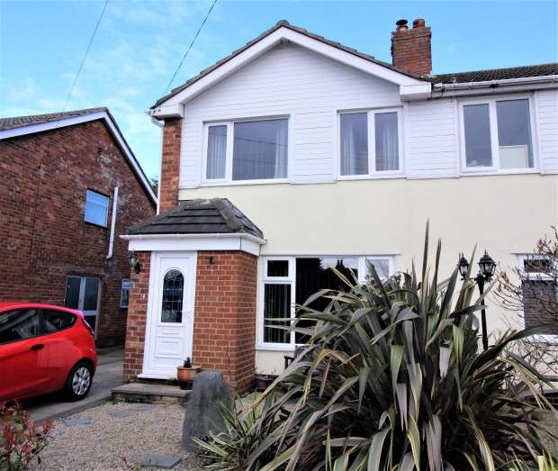 3 Bedrooms Semi Detached House for sale in Belvedere Road, Thornton-Cleveleys, FY5