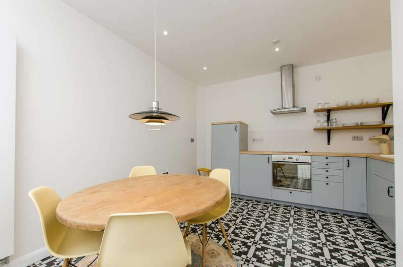 2 Bedrooms House for sale in Stockwell Lane, Stockwell, SW9