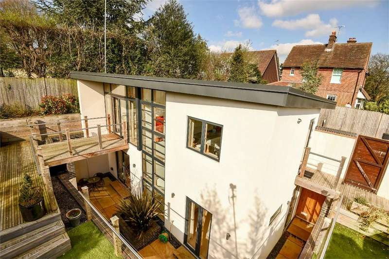 3 Bedrooms Detached House for sale in Littleton, Winchester, Hampshire