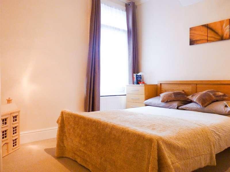 2 Bedrooms Maisonette Flat for sale in Cranbrook Road, CR7