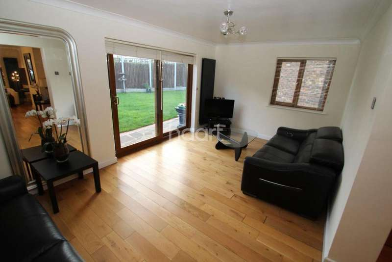 4 Bedrooms Detached House for sale in Troubridge Close, South Woodham Ferrers