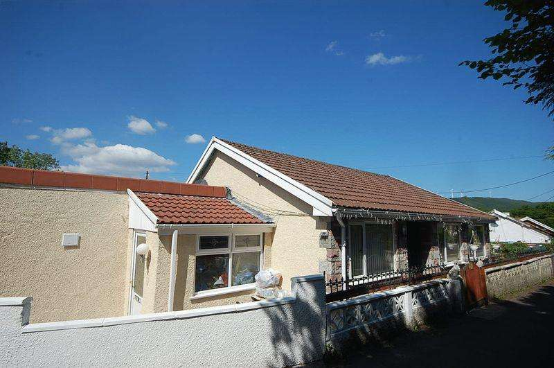 3 Bedrooms Detached Bungalow for sale in 12 Parish Road, Cwmgwrach, Neath, SA11 5SW