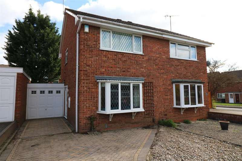 2 Bedrooms Semi Detached House for sale in Cowper Close, Woodloes Park, Warwick