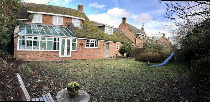 3 Bedrooms Detached House for sale in Main Street, Church Lench