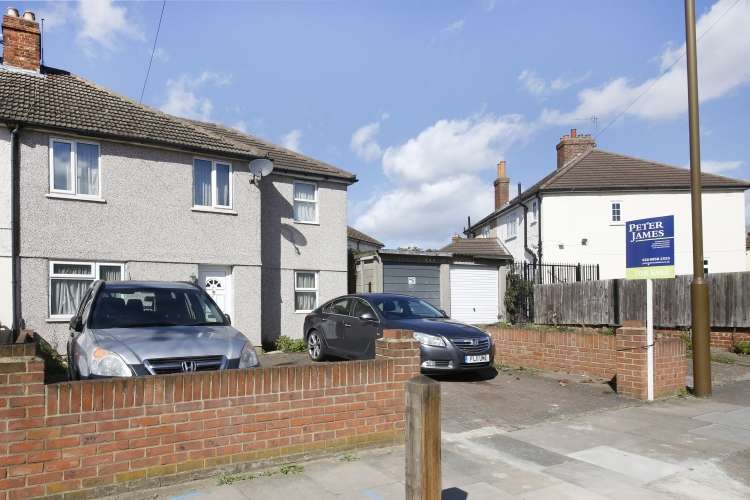 4 Bedrooms End Of Terrace House for sale in Charlton Park Lane Charlton SE7