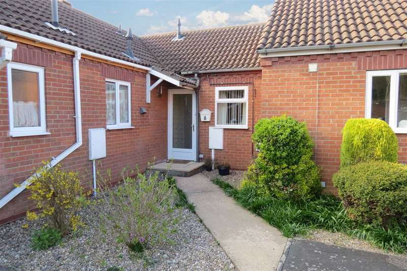 2 Bedrooms Bungalow for sale in Woodside Court, Sleaford