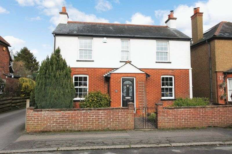 3 Bedrooms Detached House for sale in Walton on the Hill