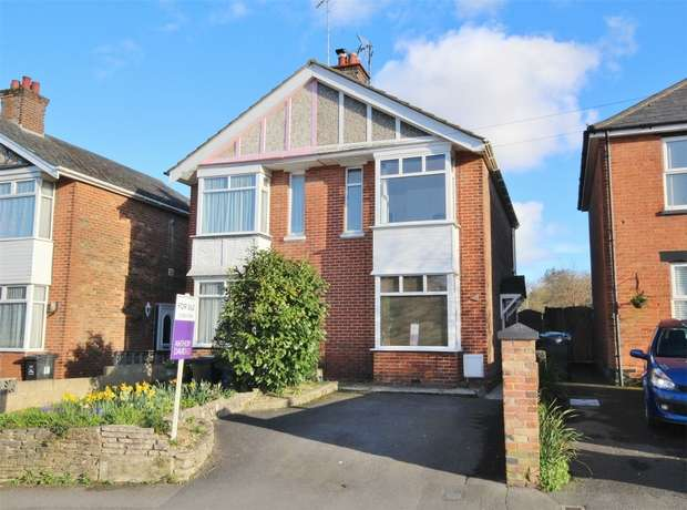 3 Bedrooms Semi Detached House for sale in Jolliffe Road, Oakdale, POOLE, Dorset