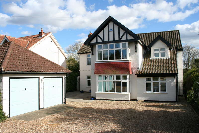 4 Bedrooms Detached House for sale in INTWOOD ROAD