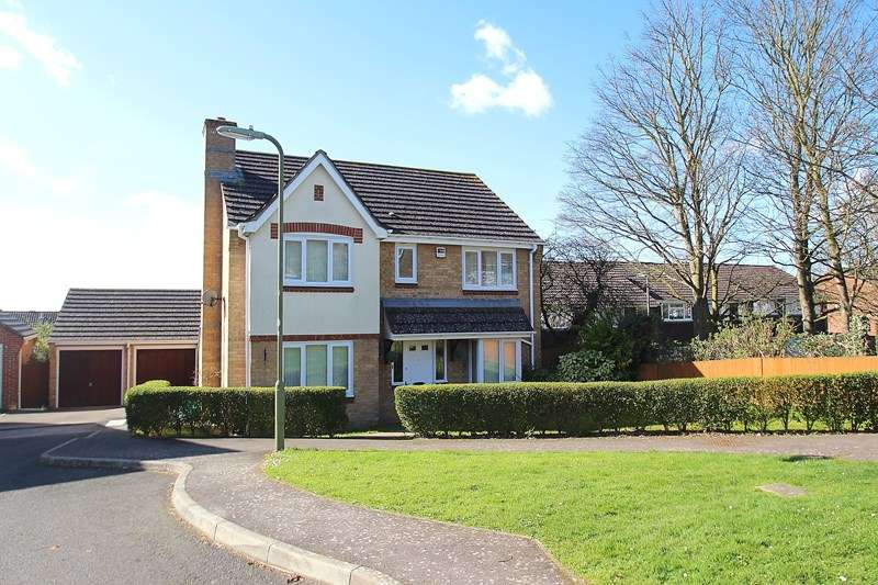 4 Bedrooms Detached House for sale in Caer Peris View, Fareham