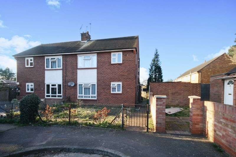 1 Bedroom Flat for sale in Reading Road, Northolt