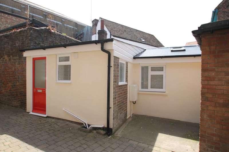 1 Bedroom Studio Flat for sale in High Street, Tring
