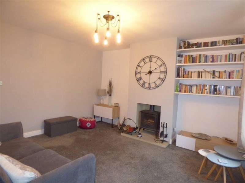 3 Bedrooms Property for sale in Scar Lane, Golcar, HUDDERSFIELD, HD7