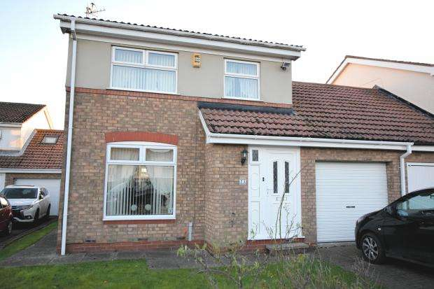 4 Bedrooms Link Detached House for sale in East Carr, Cayton, Scarborough, North Yorkshire YO11 3TS