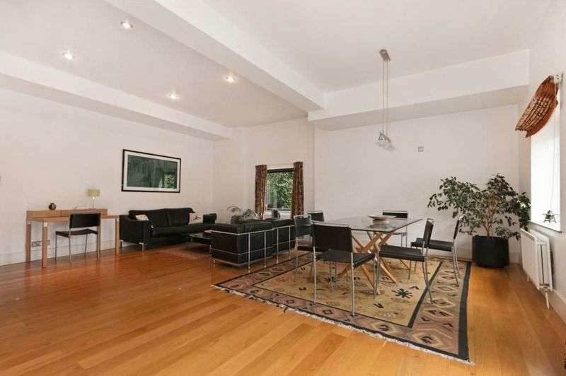 1 Bedroom Flat for sale in A rare opportunity to acquire this spacious first floor designer apartment finished to a high specification in this sympathetically converted 200 year