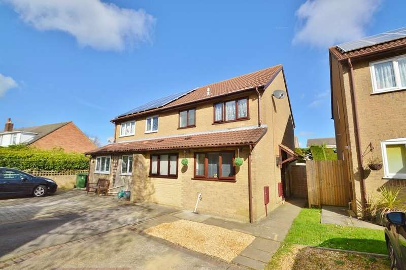 3 Bedrooms Semi Detached House for sale in Locks Heath