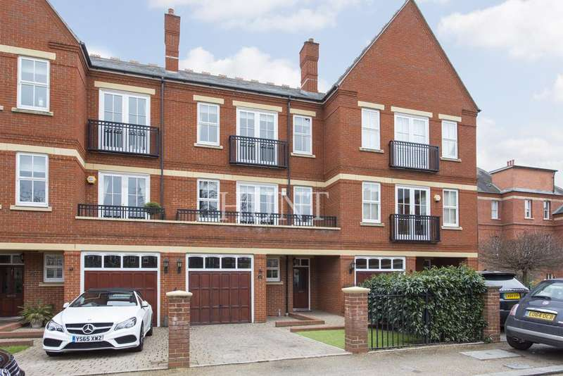 5 Bedrooms Town House for sale in Brandesbury Square, Repton Park, Woodford Green, Essex IG8