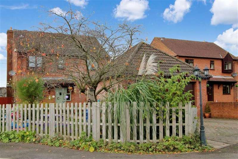 4 Bedrooms Detached House for sale in Walford, Ross On Wye