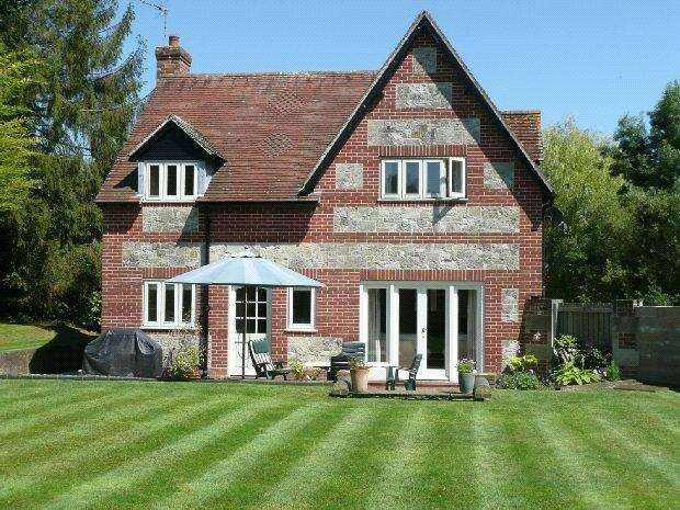 4 Bedrooms Detached House for sale in High Lane, Broad Chalke, Salisbury