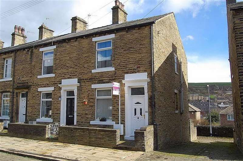 3 Bedrooms End Of Terrace House for sale in Cheltenham Place, Halifax, HX3