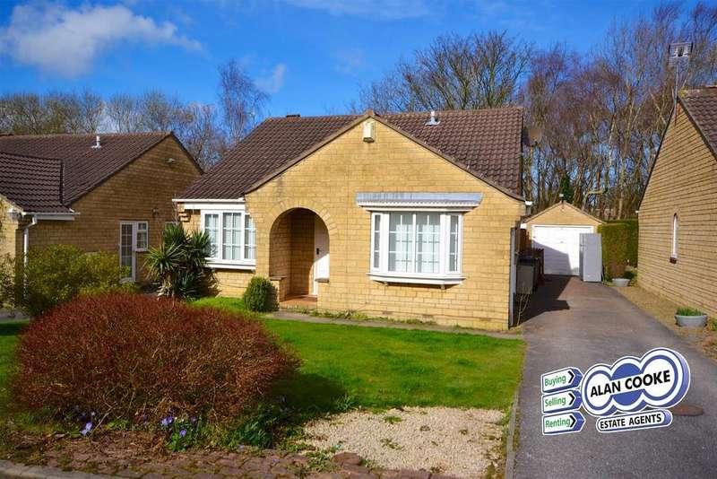 3 Bedrooms Detached Bungalow for sale in Oakdene Drive, Alwoodley, Leeds