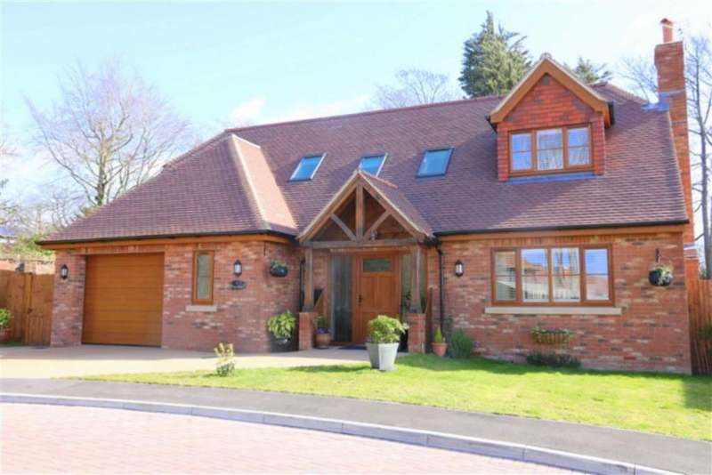 3 Bedrooms Detached House for sale in Foxley Drive, Little Common