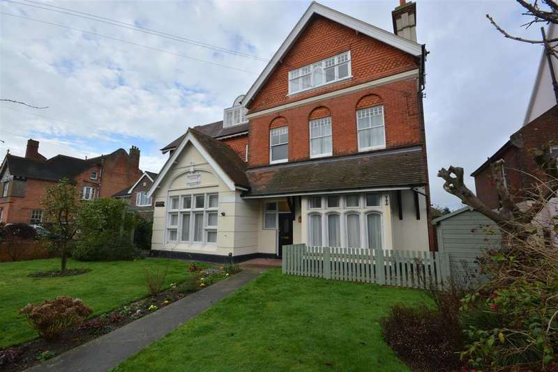 2 Bedrooms Apartment Flat for sale in Sedlescombe Road South, St. Leonards-On-Sea
