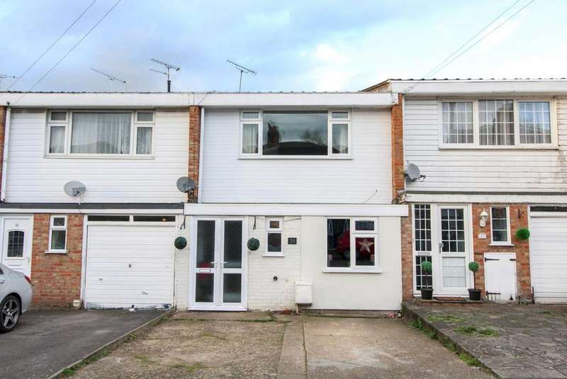 3 Bedrooms Terraced House for sale in Great Eastern Road, Warley, Brentwood, Essex, CM14