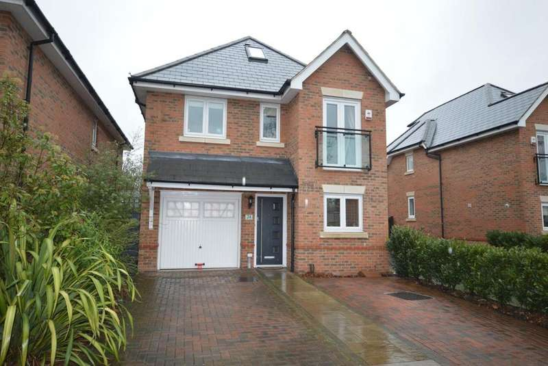 5 Bedrooms Detached House for sale in Osborne Road, Hornchurch, Essex, RM11