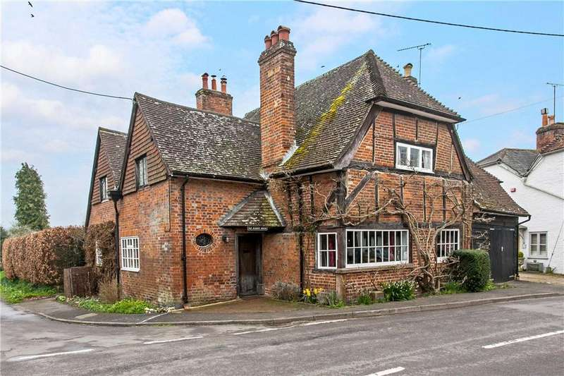 4 Bedrooms Detached House for sale in High Street, Broughton, Stockbridge, Hampshire, SO20